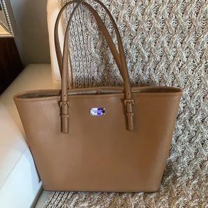 Michael Khors large leather bag like new !